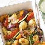 Печеные овощи с пряным йогуртом